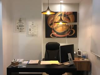 Consultorio Bariatra : Oficinas y tiendas de estilo  por 78metrosCuadrados
