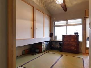 昭和ガラスの家、寝室 和風デザインの 多目的室 の みゆう設計室 和風