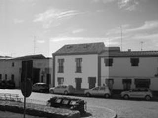 Casa de Serpa: Casas  por Rodrigo Roquette