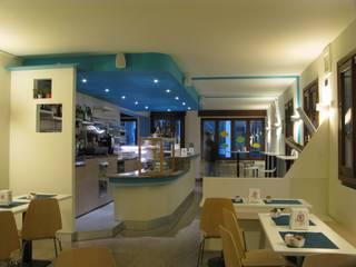 Falegnameria su misura Office spaces & stores Kayu Buatan Beige