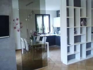 Salas de estilo moderno de Falegnameria Grelli Moderno