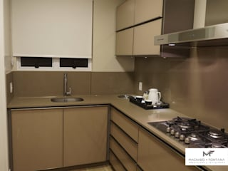 AP 701: Cozinhas embutidas  por Machado Fontana | Arquitetura e Interiores