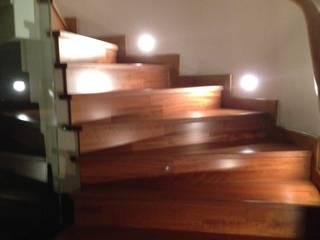 HEBART MİMARLIK DEKORASYON HZMT.LTD.ŞTİ. – Sinpaş lagün Lilyum villa dekorasyonu:  tarz Merdivenler