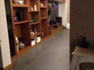 HEBART MİMARLIK DEKORASYON HZMT.LTD.ŞTİ. – Sinpaş lagün Lilyum villa dekorasyonu:  tarz Oturma Odası