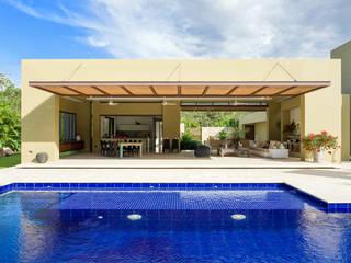 Casa Campestre NOAH Proyectos SAS Casas de campo Piedra Beige