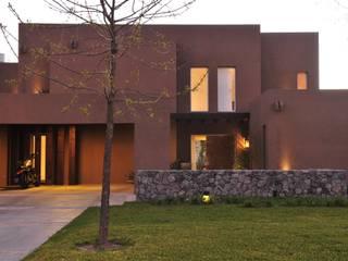 Casas de estilo moderno de homify Moderno Ladrillos