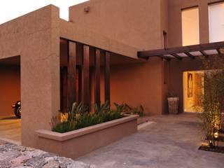 Rumah pedesaan by Estudio Medan Arquitectos