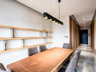 Dining room by 青易國際設計