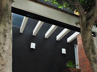 Modern Houses by Novhus Oficina de Arquitectura Modern