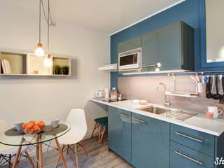 Cocinas minimalistas de staged interiors Minimalista