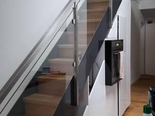 Treppen mit Glas- und Edelstahlgeländer Adam Pastuszko P&G Holzbauservice Treppe