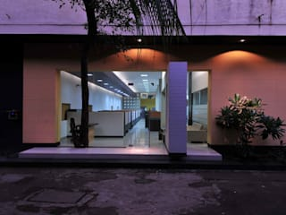 LUPIN PHARMACEUTICALS Modern study/office by smstudio Modern