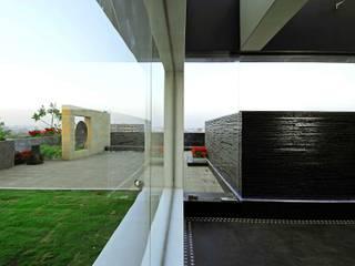 BANDRA RESIDENCE Modern houses by smstudio Modern