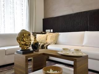 HEERA HIGH LIFE Modern living room by smstudio Modern