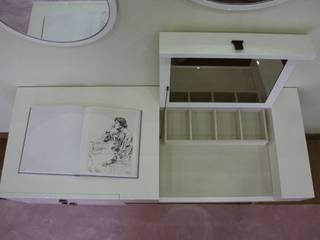 Toucador (pormenor guarda jóias) :   por IC interiores
