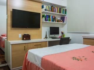 Quarto Casal com Home Office intgrado Quartos modernos por Joana Rezende Arquitetura e Arte Moderno