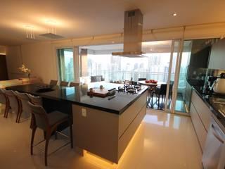 Apartamento Montessori Cozinhas modernas por Hermes Stracciari Tosi Moderno