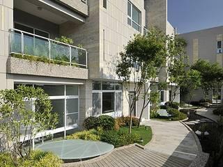 大桓設計顧問有限公司 Jardines de estilo moderno Madera maciza Verde