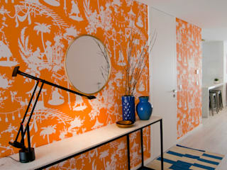 Pasillos y hall de entrada de estilo  por Tangerinas e Pêssegos
