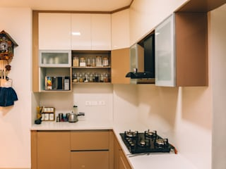 Acrylic Soft Close Modular Kitchen Shutters - Origami Spaces(Origamispaces.com) by homify Modern