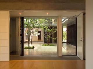 Modern windows & doors by HAN環境・建築設計事務所 Modern