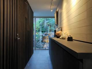Scandinavian style corridor, hallway& stairs by HAN環境・建築設計事務所 Scandinavian