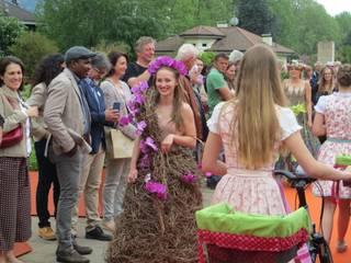 Merano Flower Festival: Giardino in stile in stile Moderno di MASSIMO SEMOLA PROGETTAZIONE GIARDINI MILANO