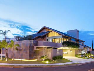 Condomínio Damha II: Casas  por DÁLBER AGUERO - ARQUITETO