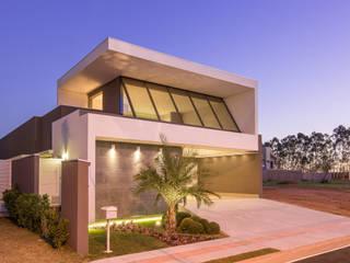 Condomínio Damha III : Casas  por DÁLBER AGUERO - ARQUITETO