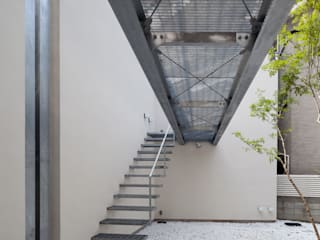 Garden by 庄司寛建築設計事務所 / HIROSHI SHOJI  ARCHITECT&ASSOCIATES, Modern