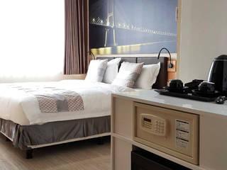 Likha Interior Hôtels modernes Contreplaqué Beige