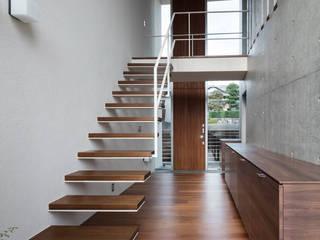 Stairs by 庄司寛建築設計事務所 / HIROSHI SHOJI  ARCHITECT&ASSOCIATES, Modern
