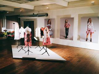 Visual Design: Viktor&Rolf RE:CYCLE Kollektion bei Zalando Moderne Ladenflächen von The Harrison Spirit Modern