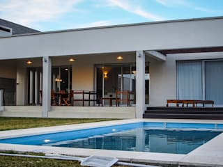 by Papillon Arquitectura Modern