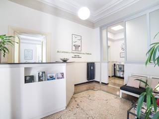 Accademia di Psicoterapia della famiglia - Nomentano Trieste Roma Scuole in stile classico di Mostarda Design Classico