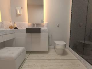 Reforma de banheiro: Banheiros  por Vinicius Gama,Moderno