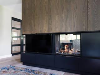 Modern living room by DWB2C Modern
