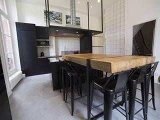 Cuisine de château à l'ambiance industrielle Cuisine industrielle par Clo - Architecture & Design Industriel