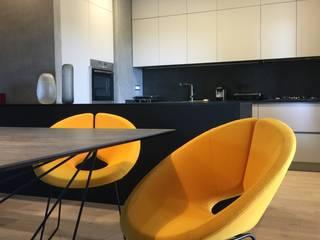 Casa V Sala da pranzo moderna di Arabella Rocca Architettura e Design Moderno