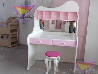 Hermoso tocador juvenil: Habitaciones infantiles de estilo  por camas y literas infantiles kids world
