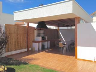 QUINCHO PEÑUELAS: Casas de estilo  por arquiroots