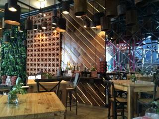 Restaurantes de estilo  por Diseñador Paul Soto