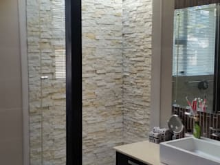 Walk in rain shower: modern Bathroom by Stacy Steel Works and Renovations