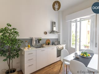 Cucina:  in stile  di ONLY HOME STAGING