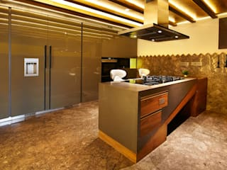 Wooden Modular Kitchen Country style kitchen by METRIKA MODULER SOLUTIONS PVT. LTD. Country
