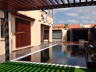 Remodelação de terraço : Piscinas de jardim  por MOBEC ,Moderno