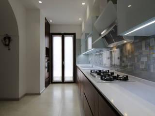 Casa ALFONSO: Cucina in stile  di Studio di Progettazione e Design 'ARCHITÈ',