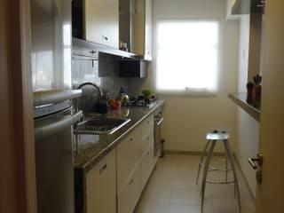 depto Arenales 15: Cocinas a medida  de estilo  por arq.c2