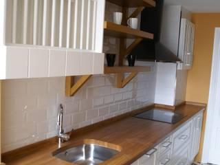 Una cocina con un suelo de encanto de Visaespais, reformas y rehabilitaciones en Tarragona Industrial