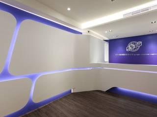Moderne Geschäftsräume & Stores von 築一國際室內裝修有限公司 Modern